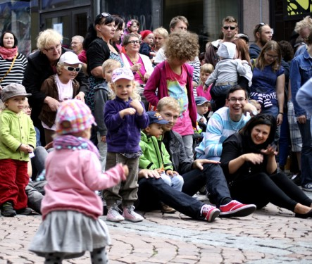Meininkiä historian ekan Lahti Block Party -korttelijuhlan lastenohjelmasta 2012.